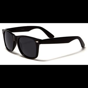 Other - Sunglasses NWT plus microfiber pouch